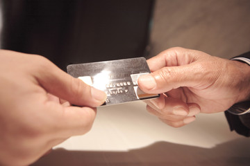 クレジット決済の手配